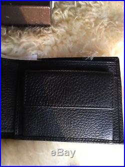 $450 NWT 100% Authentic Gucci Mens Black Leather Bifold Wallet G Logo