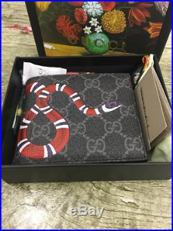 Authentic Men Gucci Black snake Leather Wallet 20k