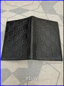 Gucci mens leather wallet In Excellent Condition