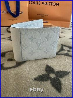 LOUIS VUITTON MENS Wallet ANTARCTICA M30300 Sold Out LIMITED EDITION