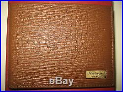 NEW Salvatore Ferragamo Mens Pebble Brown Leather Credit Card Case Bifold Wallet