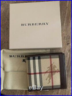 NWOT Burberry Men's Classic Nova Check withBrown Leather Bifold Wallet Retail $350